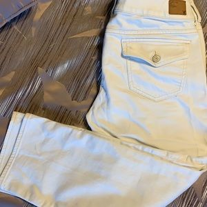 American eagle cropped white jeans